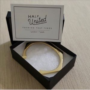 Half United bracelet